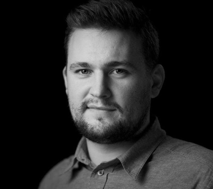 Ejer & Instruktør - Simon Lykke